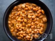 Рецепта Класическа боб яхния от зрял бял фасул в тенджера със запръжка
